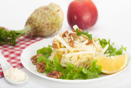 Celerový salát s jablkem