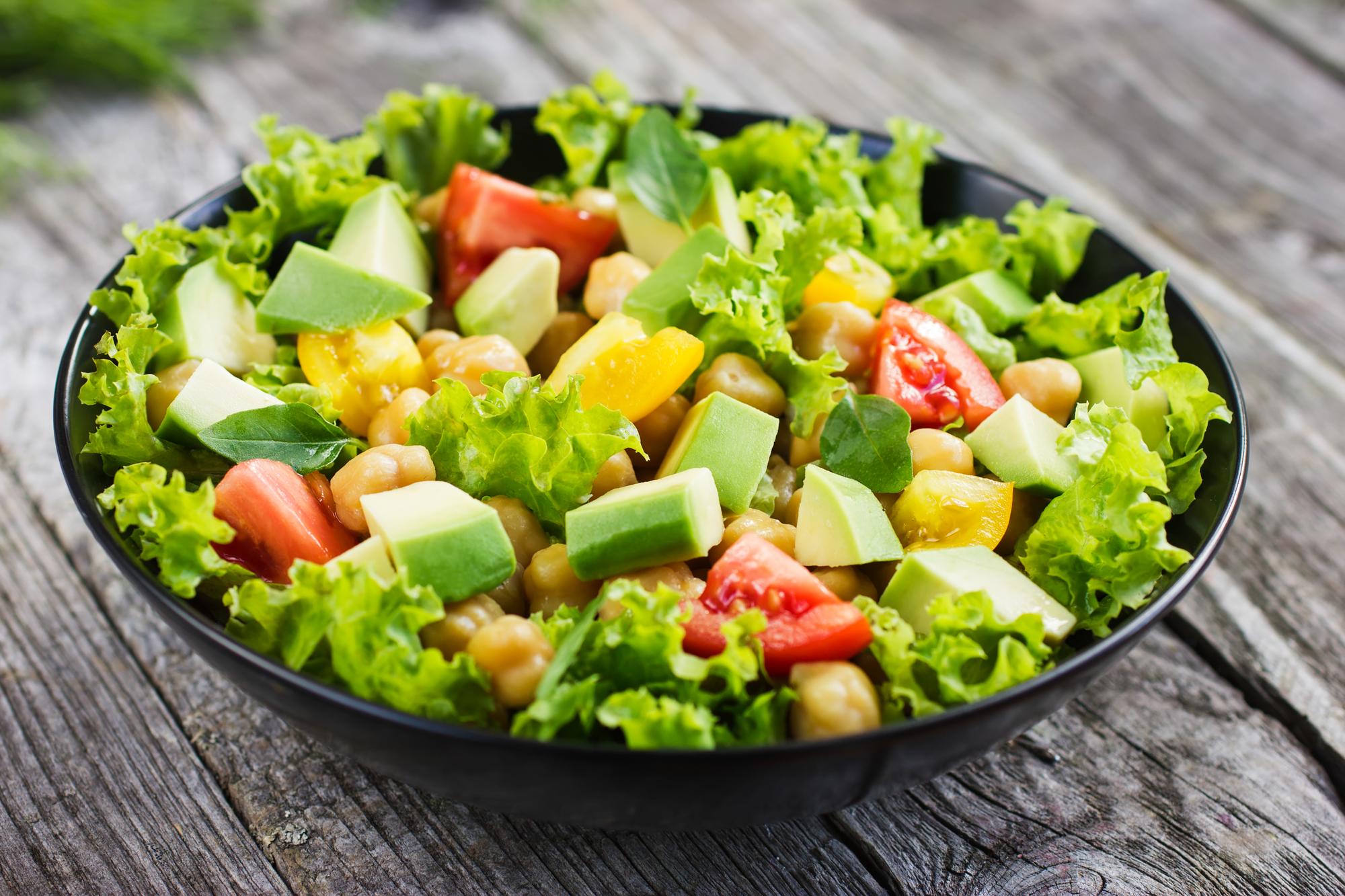 Salát s cizrnou
