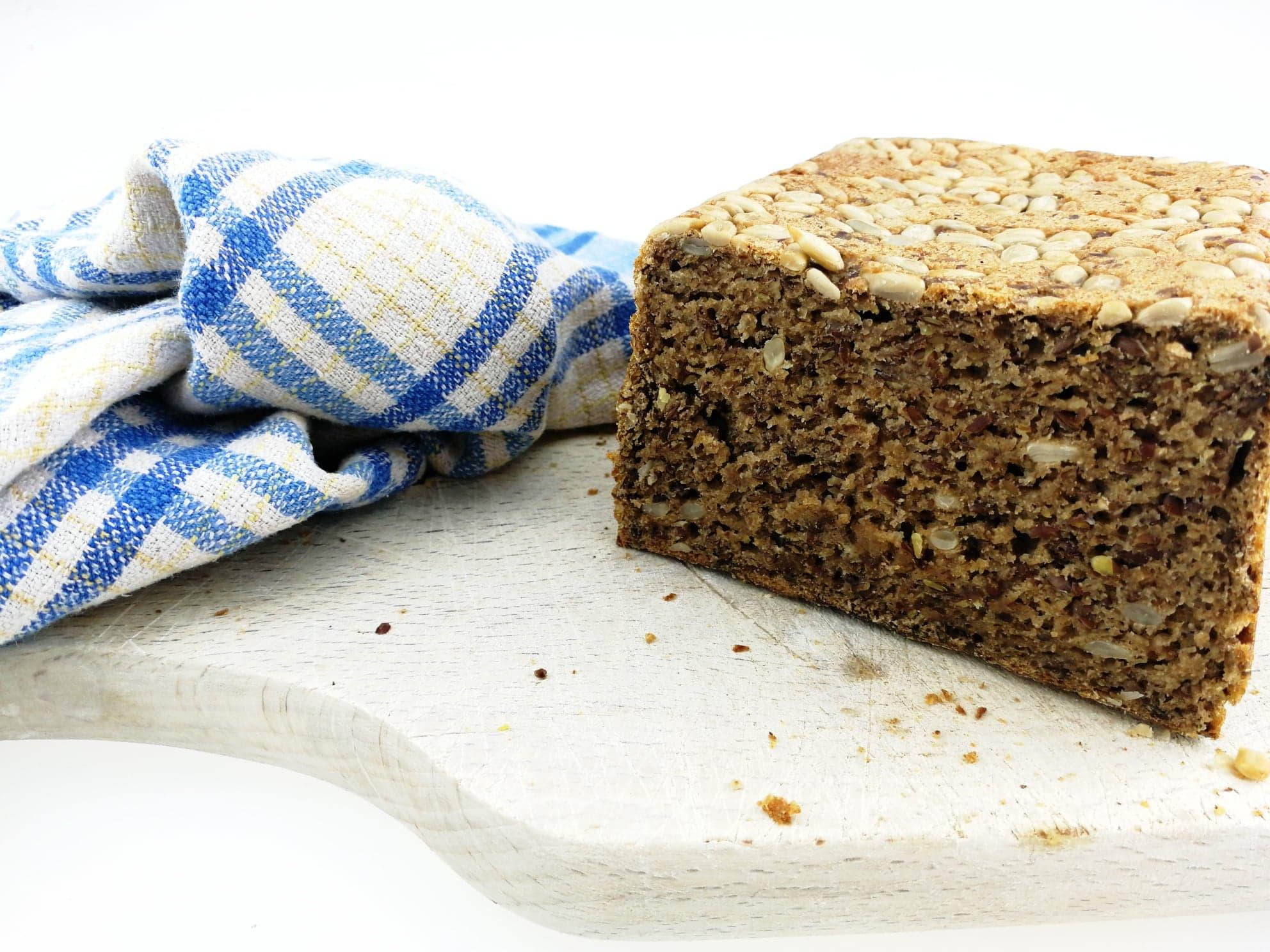 Domácí celozrnný chléb
