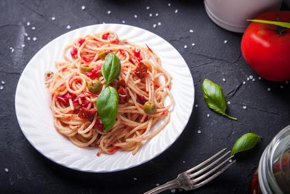 Italské těstoviny se sušenými rajčaty
