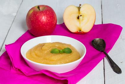 Jablečná přesnídávka s kousky ovoce