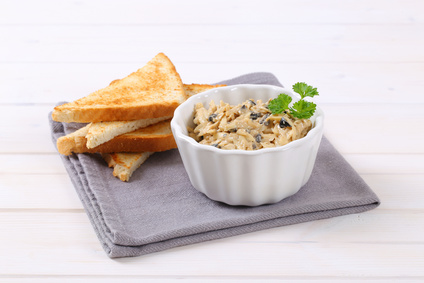 Pikantní sýrová pomazánka s olivami