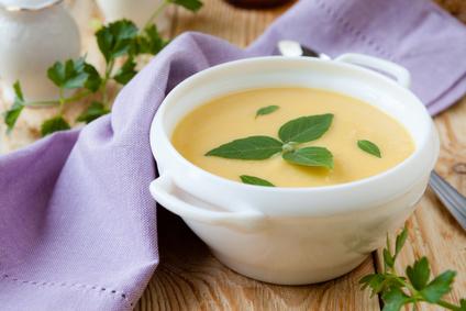 Hrachová polévka ze žlutého hrachu