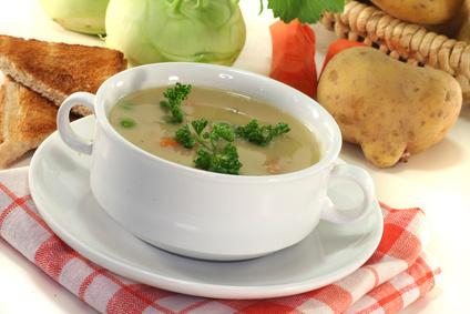 Kedlubnová polévka s bramborem