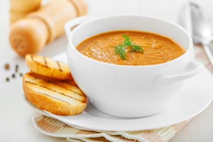 Polévka z červené čočky pro děti