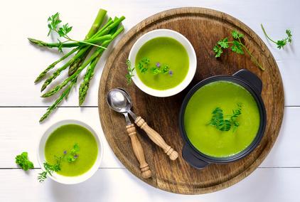 Jemná krémová chřestová polévka