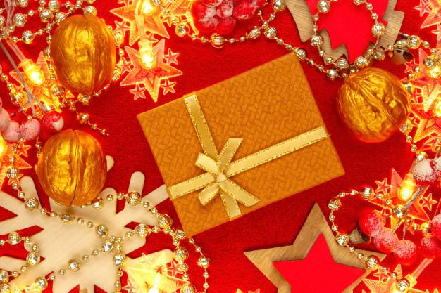 Zabalit dárek můžete velice netradičně, třeba do ořechové skořápky.