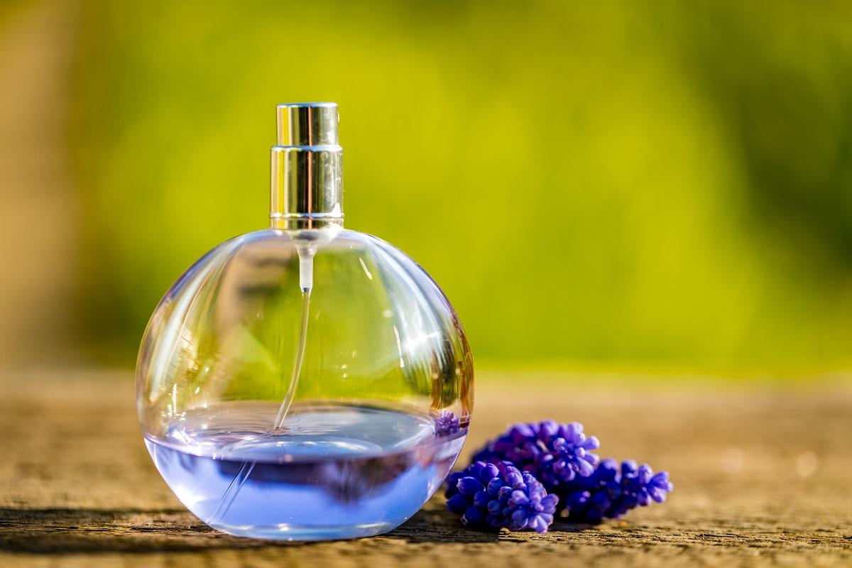 Zkuste si vyrobit vlastní parfém