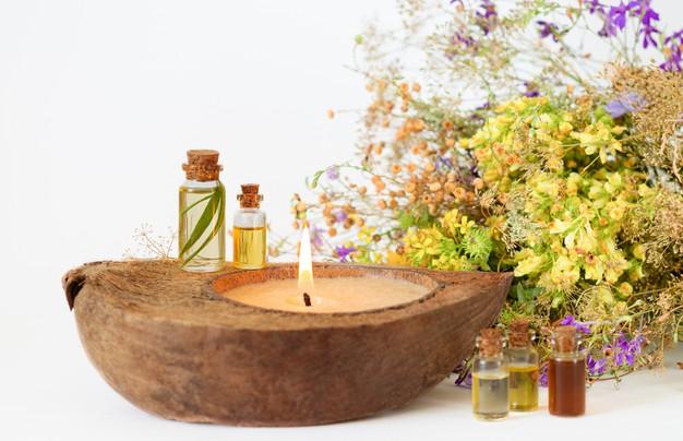 Domácí olej do koupele dotvoří dokonalou relaxační atmosféru.