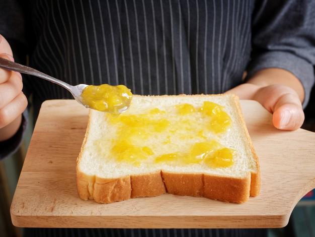Domácí marmelády oceníte například ke snídani s toustem.