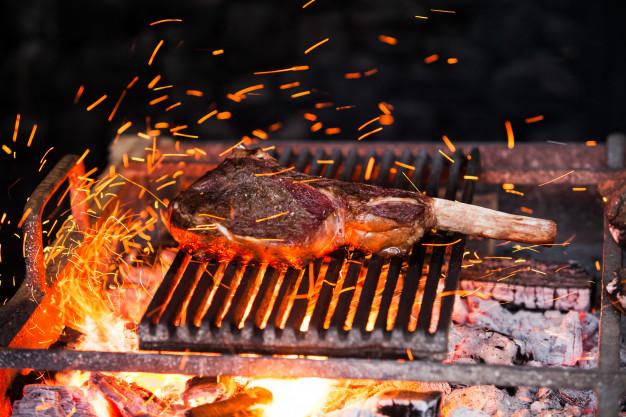 Na hovězí steak bude domácí grilovací koření jako stvořené.