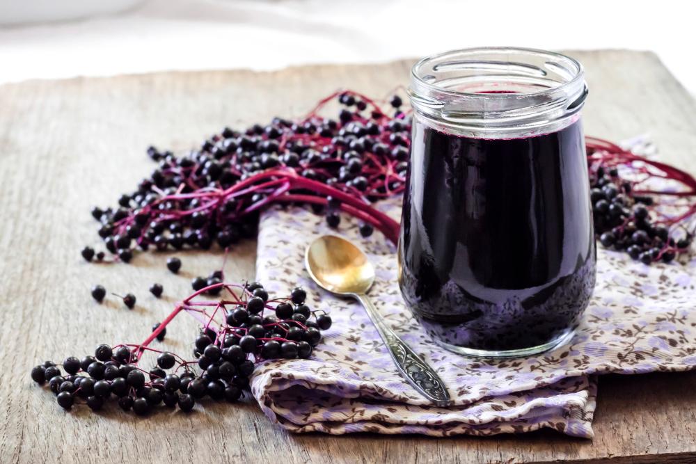 Šťáva, sirup, marmeláda i likér z plodů černého bezu chutnají božsky!