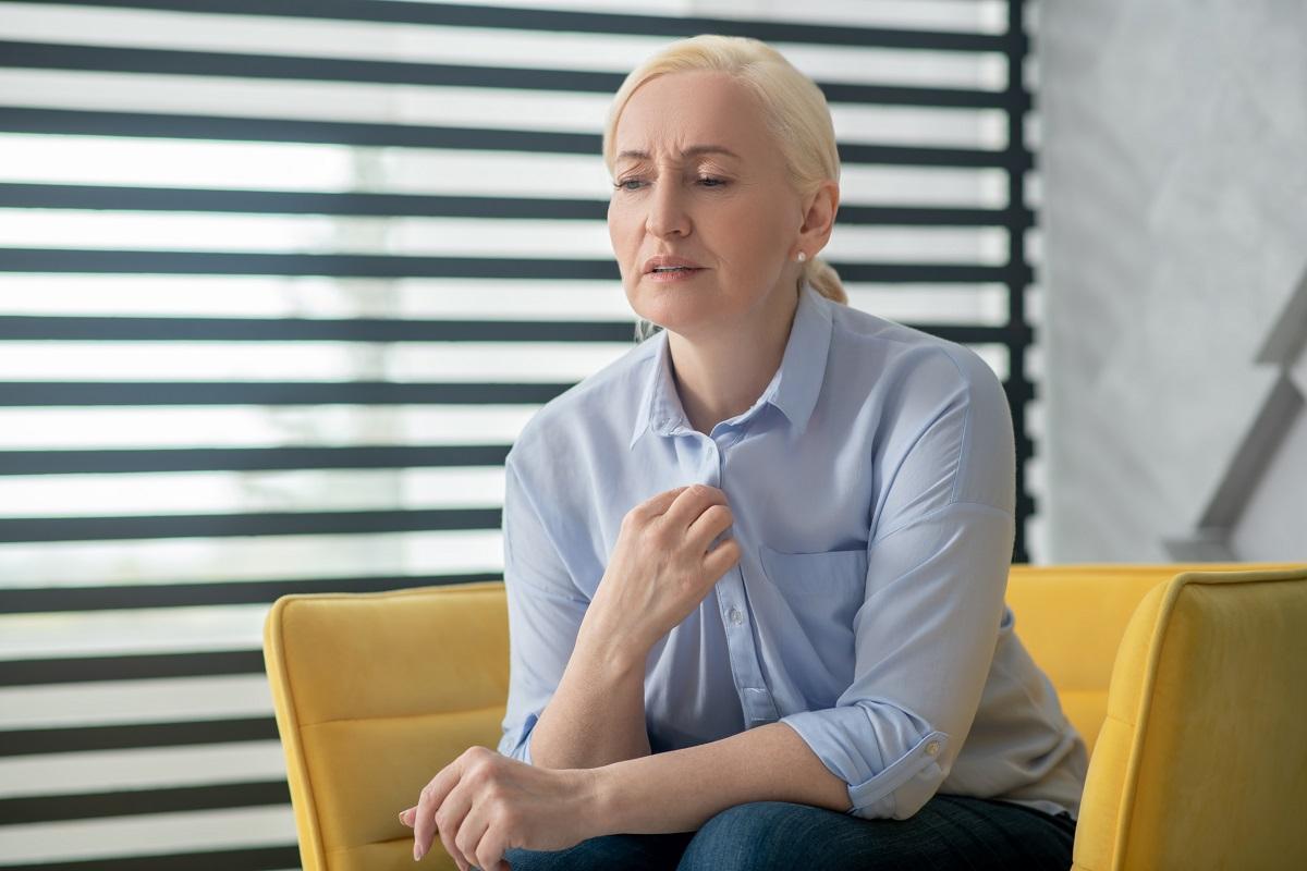 Nadměrné pocení trápí v menopauze většinu žen