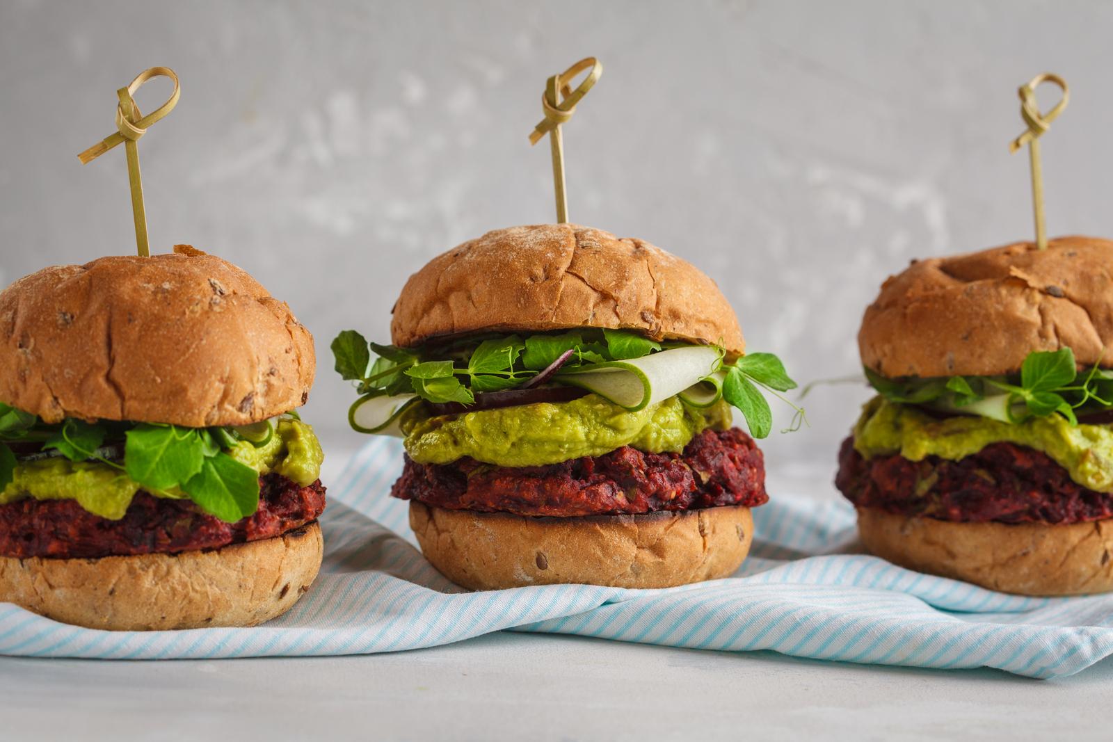 Zeleninový hamburger, ale i bezlepkový hamburger je skvělé zpestření jídelníčku