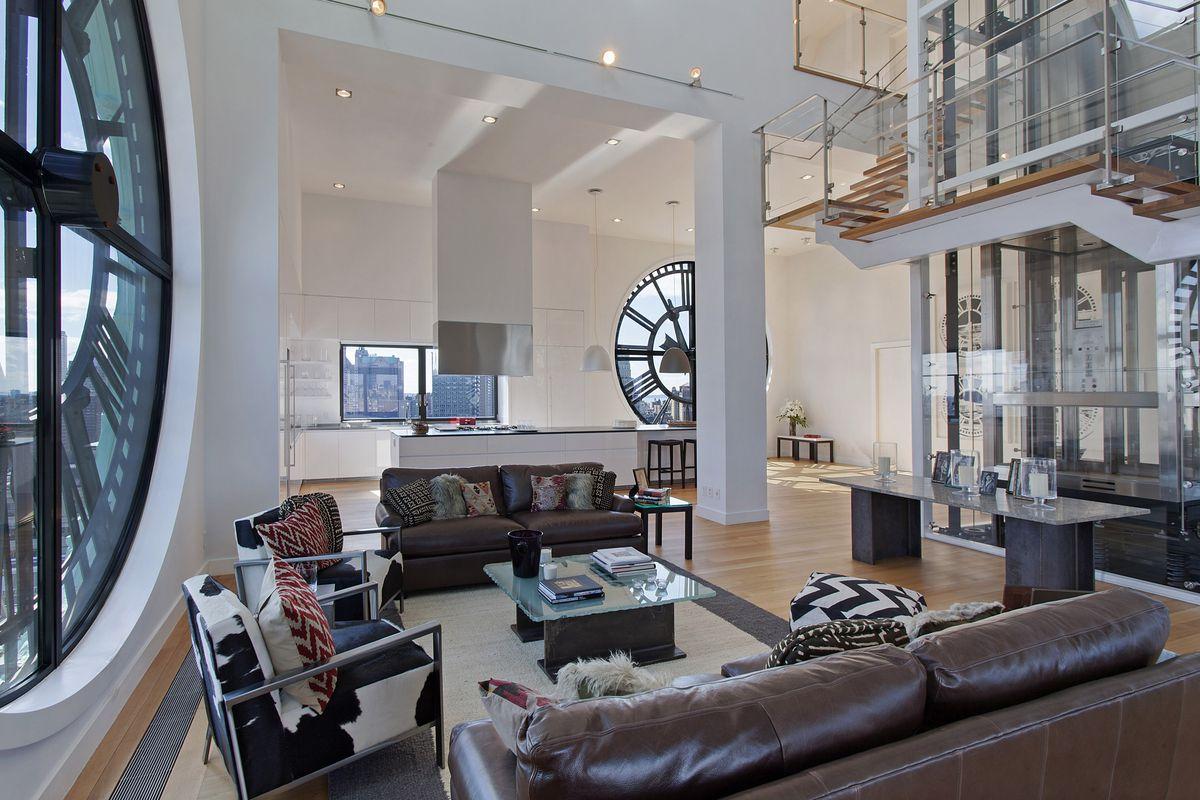 Netradiční bydlení v Brooklynské hodinové věži je luxusní záležitostí.