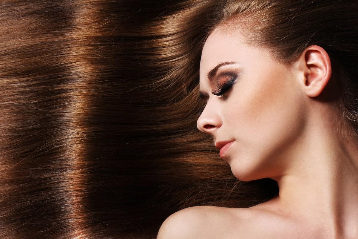 Krásné a lesklé vlasy vyžadují péči