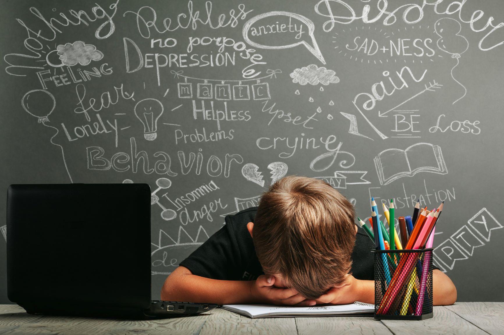 Online výuka může být pro mnoho dětí velmi náročná