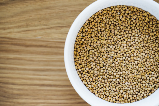 Ze semínek koriandru setého se získává mleté koření, které lze upotřebit jak v masových, tak i v zeleninových pokrmech.