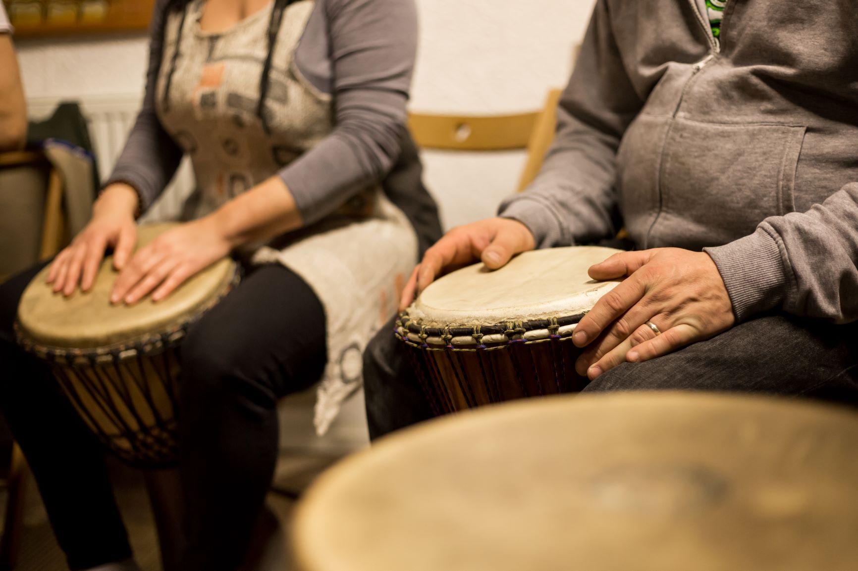 Muzikoterapie je velmi účinná metoda na spoustu obtíží