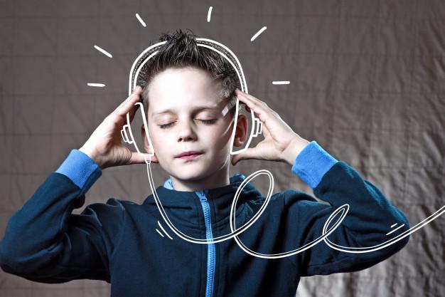 Nechte dítěti volný výběr hudby i hudebního nástroje. Jedině tak bude rádo rozvíjet svůj hudební sluch.